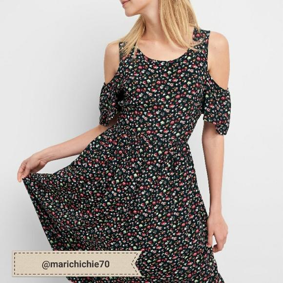 c20e408836e041 NWT Gap Cold Shoulder Floral Midi Dress